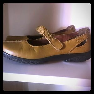 Hotter Comfort Concept mustard yellow shoes 7